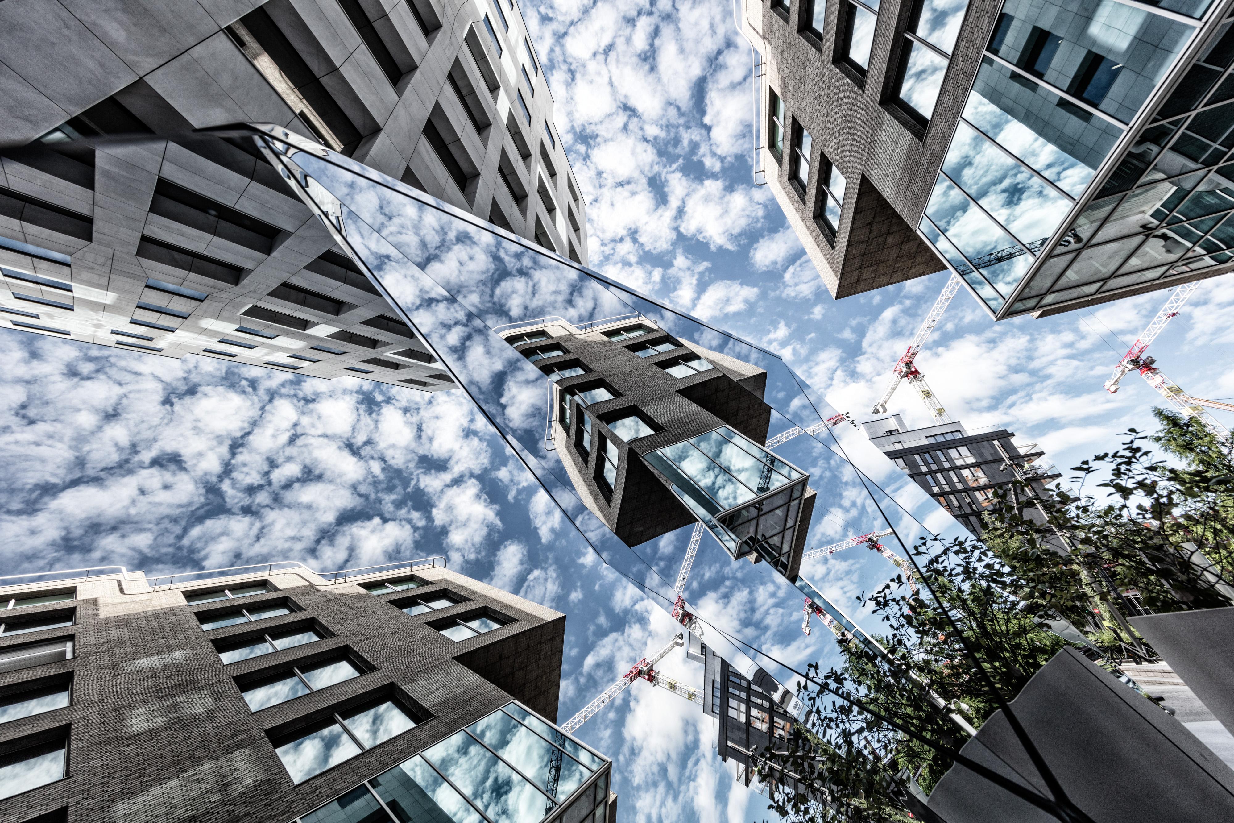 - En forutsetning for alle bygg som har fått plass i Barcode har vært at de måtte bidra til å gi området et spektakulært arkitektonisk preg – ingen bygninger eller fasader er like. Hver av de 12 husene har derfor fått sitt eget unike design.